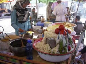 Langpun_beanstarch_noodle_vendor_kashgar